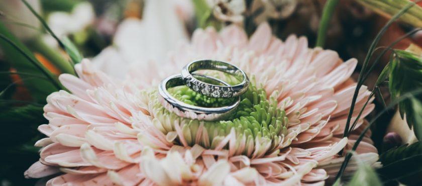 Idealnie dopasowana biżuteria ślubna