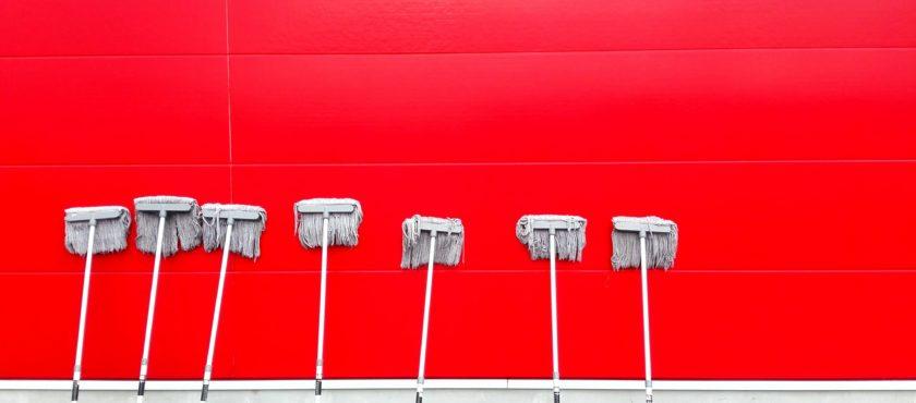 Firma sprzątająca – czy warto korzystać z jej usług